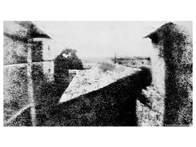 Imagem da primeira fotografia permanente do mundo feita por Nicéphore Niépce em 1825